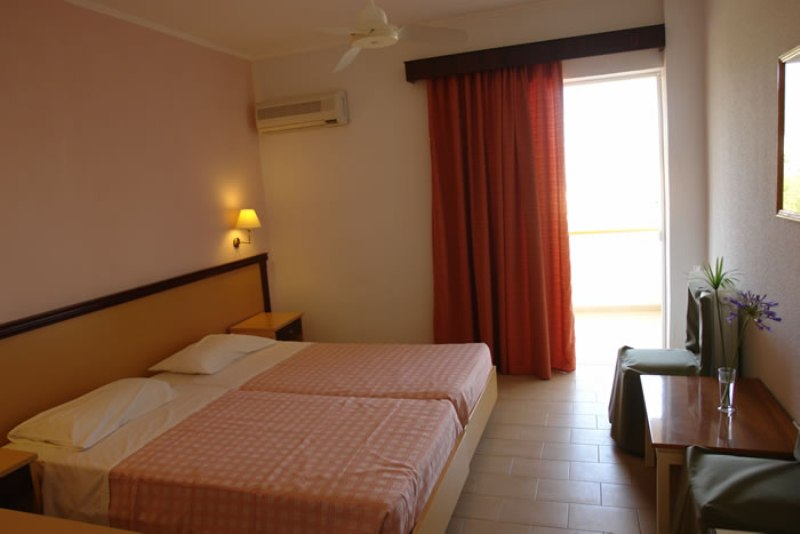 Grecia Corfu Dassia LIVADI NAFSIKA HOTEL 2